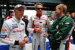 (Da sinistra a destra): Kevin Magnussen, McLaren con Max Chilton, Marussia F1 Team e Marcus Ericsson