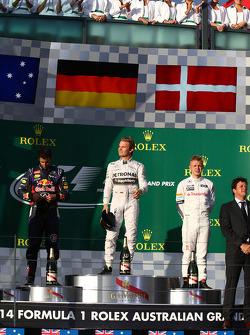 Nico Rosberg (1er), Daniel Ricciardo (2e) et Kevin Magnussen (3e)