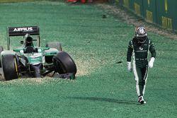 Kamui Kobayashi accidenté au départ de la course