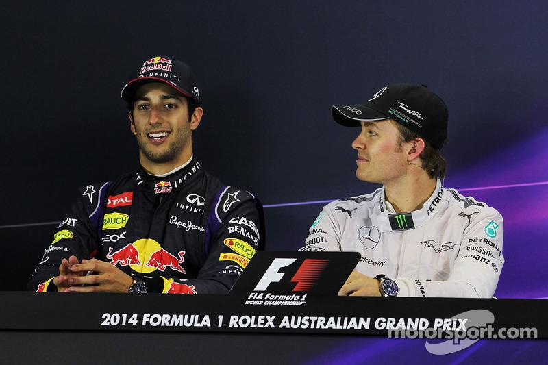 La conferenza stampa della FIA, Red Bull Racing, secondo; Nico Rosberg, Mercedes AMG F1, vincitore della gara