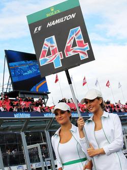 Grid girls - Lewis Hamilton, Mercedes AMG F1