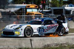 Incendie majeur : #33 Riley Motorsports SRT Viper GT3-R: Ben Keating
