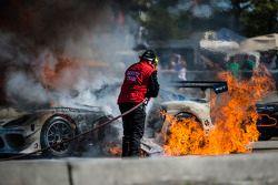 Grande incendio per la #33 Riley Motorsports SRT Viper GT3-R