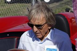 Derek Bell avec la Ferrari 250 Testa Rossa