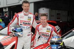 Honda Yuasa Racing duo Matt Neal en Gordon Shedden