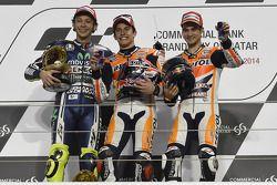 Ganador de la carrera Marc Márquez, del equipo Repsol Honda, el segundo lugar Valentino Rossi, Yamaha Factory Racing, tercero Dani Pedrosa, Repsol Honda Team