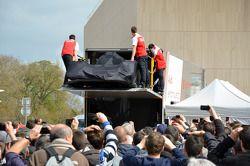 Audi R18 e-tron quattro 2014 é deixado na Place des Jacobins