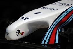 Williams FW36 espiga con un tributo a Ayrton Senna