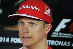 Kimi Raikkonen, Ferrari en la conferencia de prensa de FIA