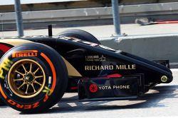 Lotus F1 E22 with branding celebrating one million Facebook likes