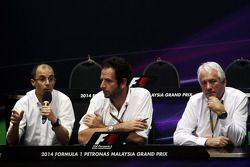 (L to R): Fabrice Lom, FIA Head of Power Train gives a briefing to the media on fuel sensors with Ma