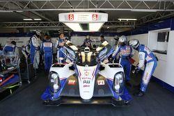 #8 Toyota Racing Toyota TS040 Hybrid: Anthony Davidson, Sebastien Buemi, Stéphane Sarrazin