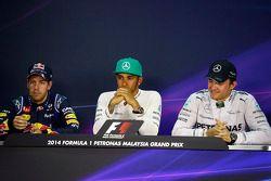 Sebastian Vettel, Red Bull Racing, segundo; Lewis Hamilton, Mercedes AMG F1, pole position; Nico Ros