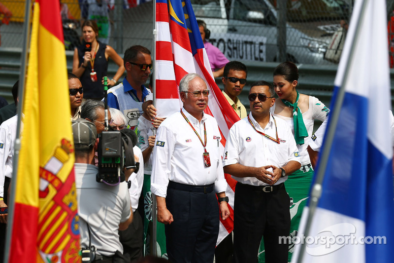 A minute's silence is observed on the grid for the victims of flight MH370