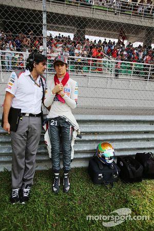 Startaufstellung: Esteban Gutierrez, Sauber; Francesco Nenci, Sauber, Renningenieur