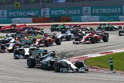 Lewis Hamilton, Mercedes AMG F1 W05 líder al inicio
