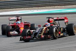 Romain Grosjean (FRA), Lotus F1 Team y Fernando Alonso (ESP), Scuderia Ferrari 30