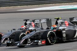 Esteban Gutierrez (MEX), Sauber F1 Team and Adrian Sutil (GER), Sauber F1 Team 30