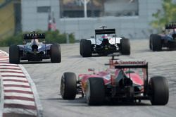 Daniel Ricciardo, Red Bull Racing RB10; Valtteri Bottas, Williams FW36;Fernando Alonso, Ferrari F14-