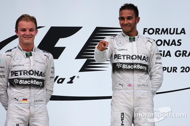 Nico Rosberg (ALE), Mercedes AMG F1 Team, e Lewis Hamilton (GBR), Mercedes AMG F1 Team 31