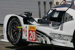 #20 Porsche Team Porsche 919 Hybrid: Mark Webber, Brendon Hartley, Timo Bernhard