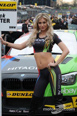 eBay Motors ragazza
