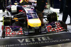 Sebastian Vettel, Red Bull Racing RB10 ala delantera