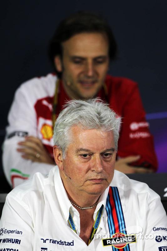 Pat Symonds, diretor técnico da Williams na Conferência de Imprensa da FIA