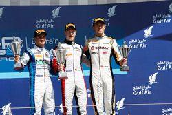 领奖台: 比赛获胜者 Stoffel Vandoorne, 第二名 Julian Leal, 第三名 Jolyon Palmer