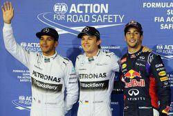 Ganador de la pole Nico Rosberg, segundo Lewis Hamilton, tercero Daniel Ricciardo