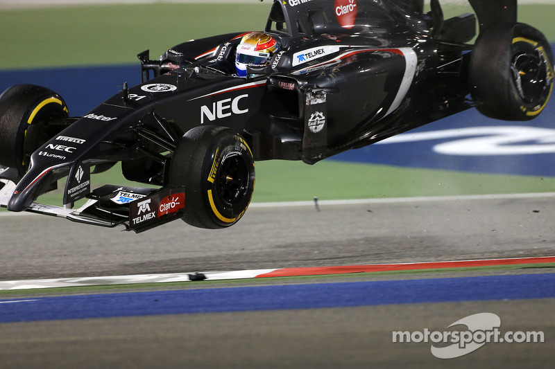 Crash: Esteban Gutierrez, Sauber C33