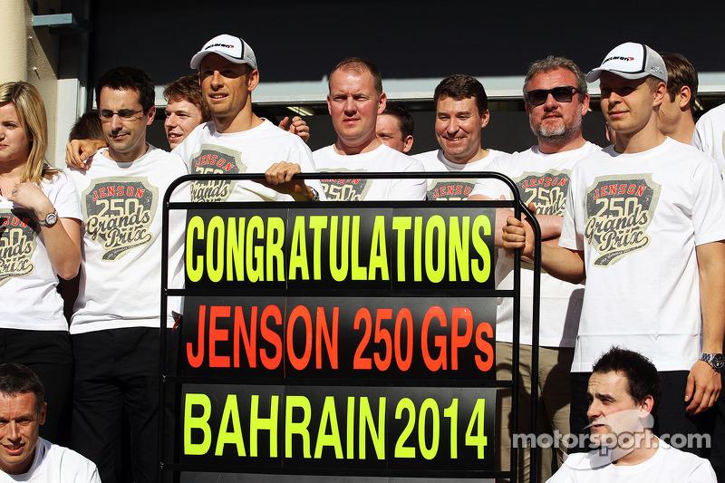 Jenson Button, McLaren celebra il suo 250 ° GP con il team