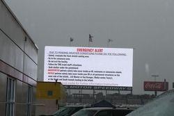 Funzionari di psita avvertono gli appassionati dell' imminente maltempo
