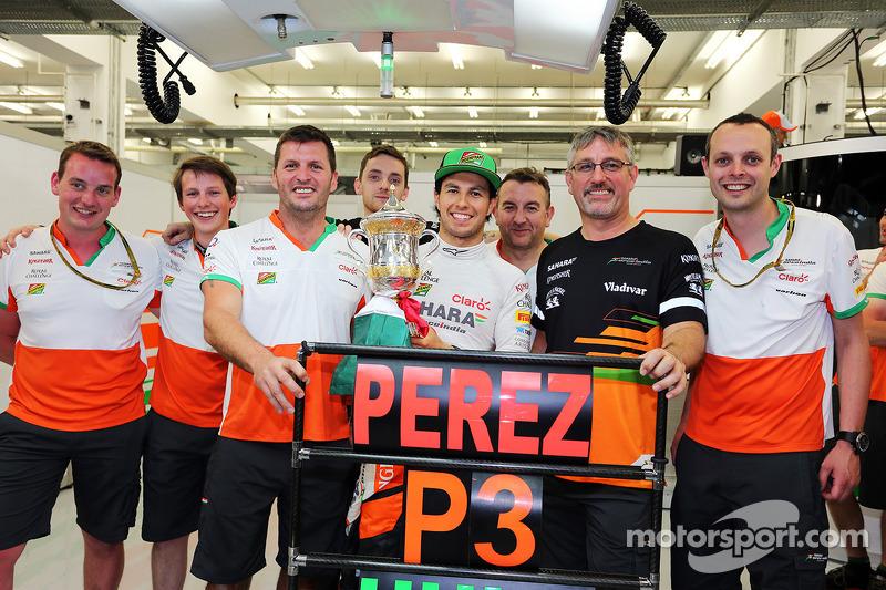 Sergio Pérez, Sahara Force India F1 celebra su tercer lugar con su equipo