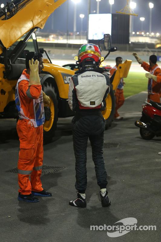 Esteban Gutierrez, Sauber F1 Team choca con Pastor Maldonado, Lotus F1 Team