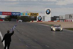 Maxime Martin, Uwe Alzen, Marco Wittmann, BMW Sports Trophy Team Marc VDS, BMW Z4 GT3 s'impose