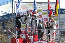 Winnaars Sébastien Ogier en Julien Ingrassia,tweede plaats Mikko Hirvonen en Jarmo Lehtinen, derde p