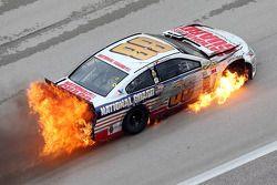 遇到问题,Dale Earnhardt Jr., Hendrick 雪佛兰车队