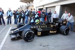 Бруно Сенна за рулем Lotus 98T Айртона Сенны