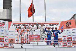 GT500 winnaars Daizuke Ito en Andrea Caldarelli, tweede plaats Kazuya Oshima, Yuji Kunimoto, derde p
