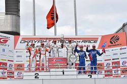 Vincitori GT500 Daizuke Ito e Andrea Caldarelli, il secondo posto Kazuya Oshima, Yuji Kunimoto, terz