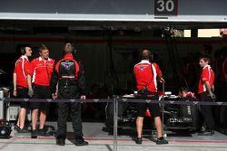 Marussia F1 Team mechanics 09
