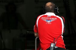 Marussia F1 Team mechanic 09