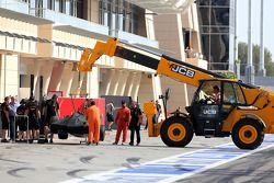 Romain Grosjean, Lotus F1 Team stops on track 09