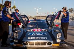 #60 Michael Shank Racing Riley 福特: 约翰·皮尤, 奥斯瓦尔多·内格里