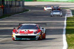 #51 AF Corse 法拉利 458 Italia: 菲利普·巴雷罗斯, 彼得·曼恩, 弗朗西斯科·格德斯