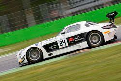 #84 HTP Motorsport 梅赛德斯 SLS AMG GT3: 哈罗德·普里马, 尼科·韦尔东克, 马克西米利安·布克