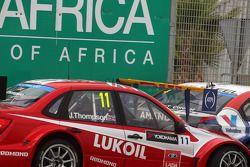 James Thompson, Lada Granta 1.6T, LADA Sport Lukoil and Tom Coronel, Cevrolet RML Cruze TC1, Roal Mo