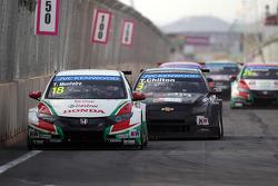 Tiago Monteiro, Honda Civic WTCC, Castrol Honda WTC Team and Tom Chilton, Chevrolet RML Cruze TC1, R