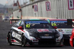 Gianni Morbidelli, Chevrolet RML Cruze TC1, ALL-INKL_COM Munnich Motorsport et Mehdi Bennani, Honda Civic WTCC, Proteam Racing